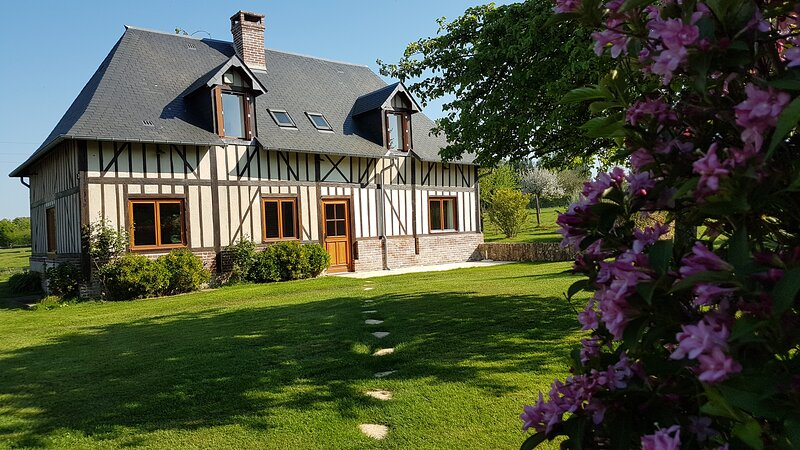 Maison Ailleurs sous les étoiles, holiday rental in Ablon