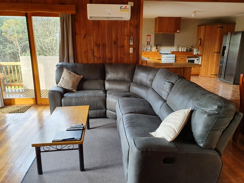 Cradle Spa Cottage, vacation rental in West Kentish
