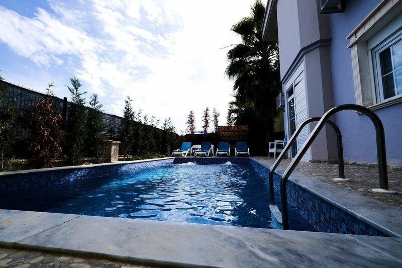 Private Holiday Villa - Heated Floor and Heated pool, vacation rental in Kadriye