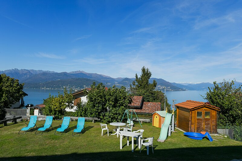 Africa apartment over Stresa with lake view, vacation rental in Vedasco