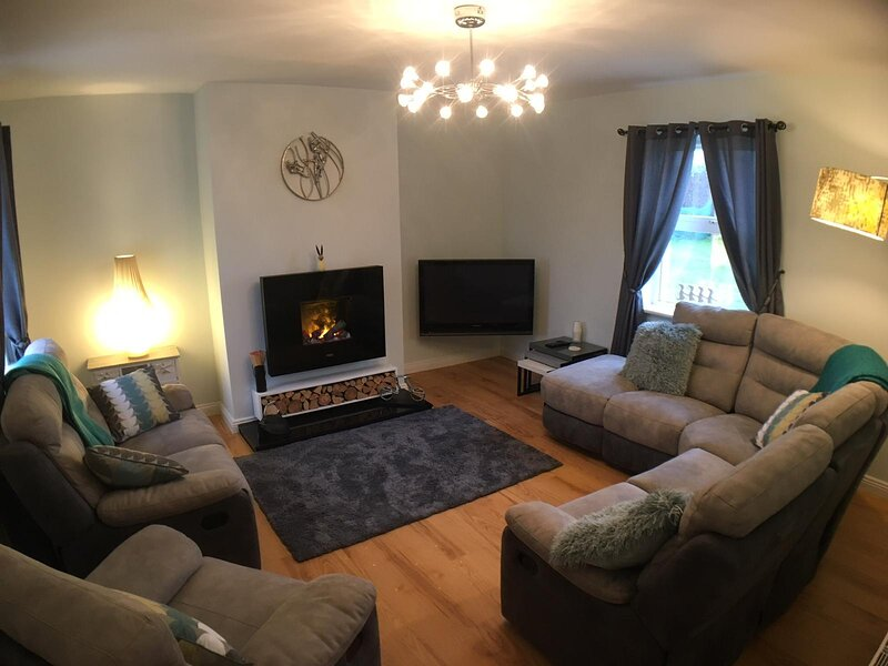 Holiday Home – 10 minutes walk to Belmullet Town, vacation rental in Belmullet
