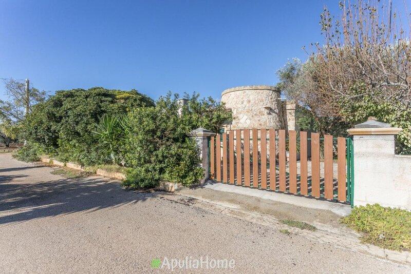 Villetta Azalea con giardino a Torre pali, holiday rental in Torre Pali