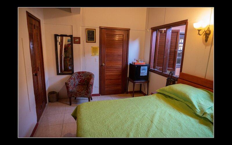 Fuego Mio B&B, Kingbedroom Cayenna, holiday rental in Pos Chiquito