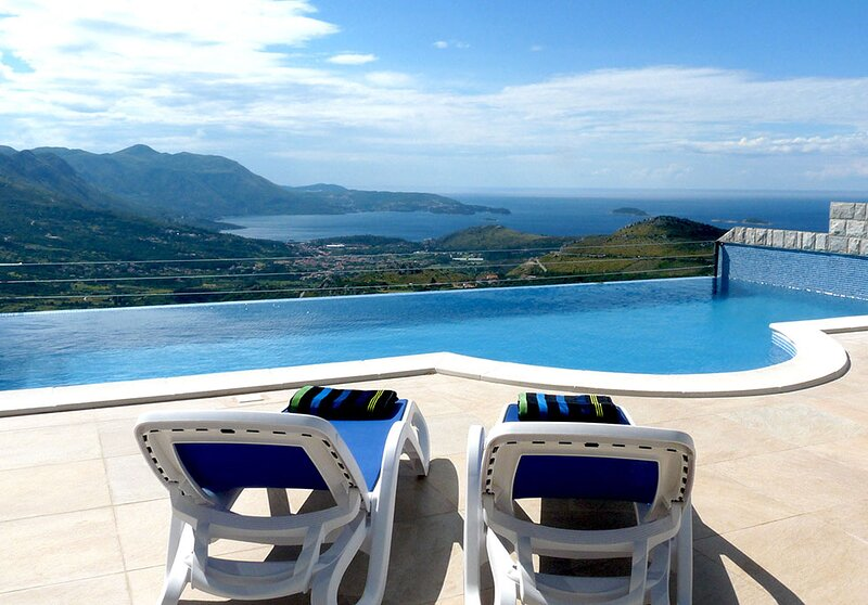 Luxury Villa Olive with private infinity pool and Jacuzzi near Dubrovnik, location de vacances à Ivanica