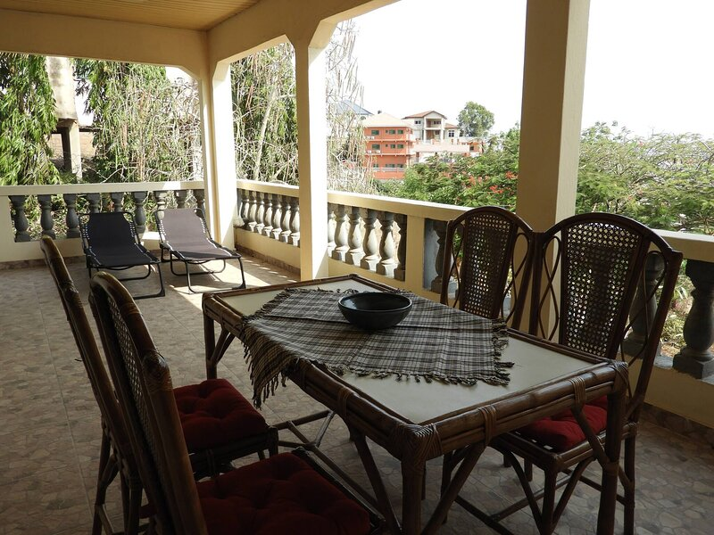 Nimohs Holiday Home, vacation rental in Odorkor