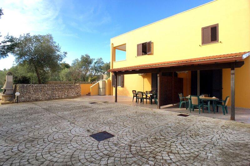 Appartamento Afrodite con giardino a Torre vado, vacation rental in Torre Vado
