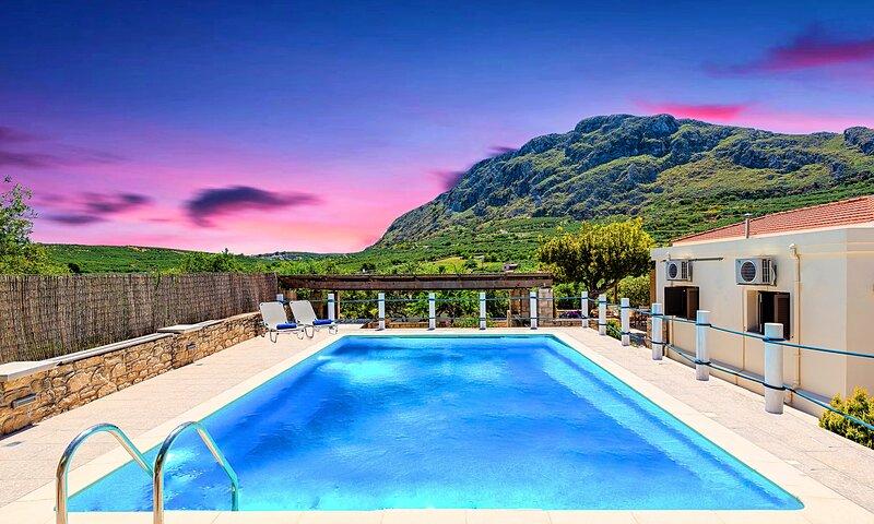 Cretan Kera Villa with Heated Pool, vacation rental in Kissamos