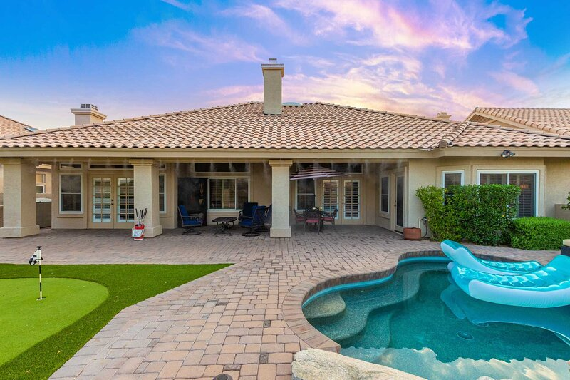 Grand Home w/Private Pool on Foothills Golf Course, location de vacances à Guadalupe