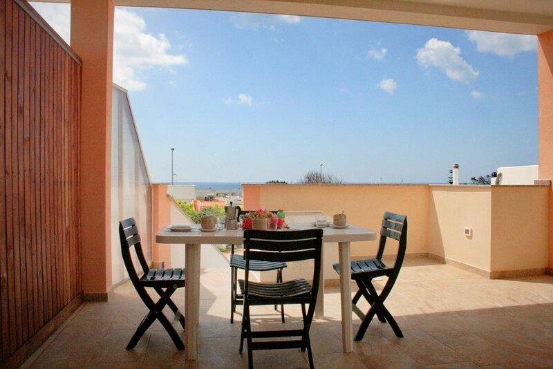QUADRILOCALE PAOLO VISTA MARE, TORRE VADO, vacation rental in Torre Vado