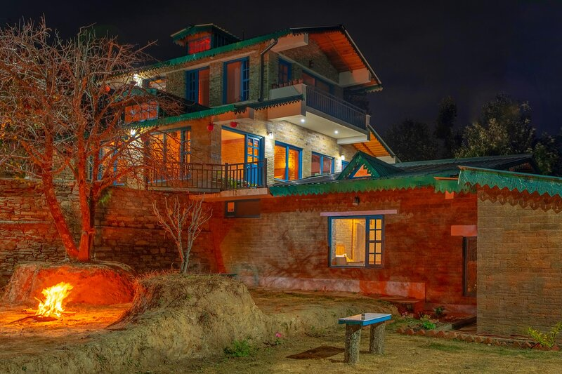 Dharohar Retreat by Vista Rooms, vacation rental in Jageshwar