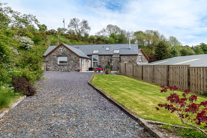 Bryn Eithin Cottage Far from the Madding Crowd, holiday rental in Pentre-Llyn-Cymmer