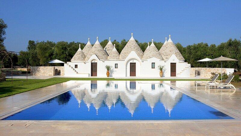 San Michele Salentino Villa Sleeps 8 with Pool and Air Con - 5048915, location de vacances à San Michele Salentino