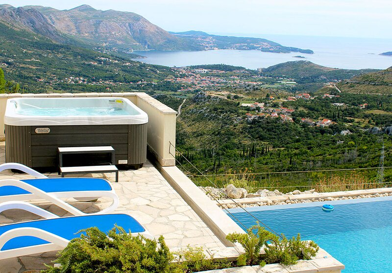 Luxury Vila Fig with private infinity pool and Jacuzzi near Dubrovnik, location de vacances à Ivanica