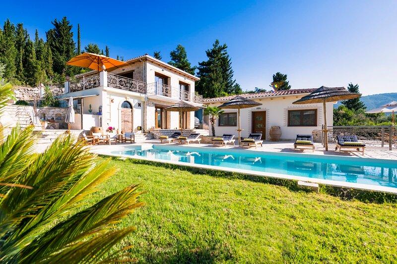 Discounts:THE VIEW Villa,exclusive,big pool & bar,ideal for up to  14 ppl, casa vacanza a Vafkeri