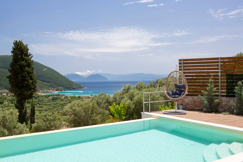 Brand New Villa Ira near Vasiliki and a Blue Flagged beach, vacation rental in Kontarena