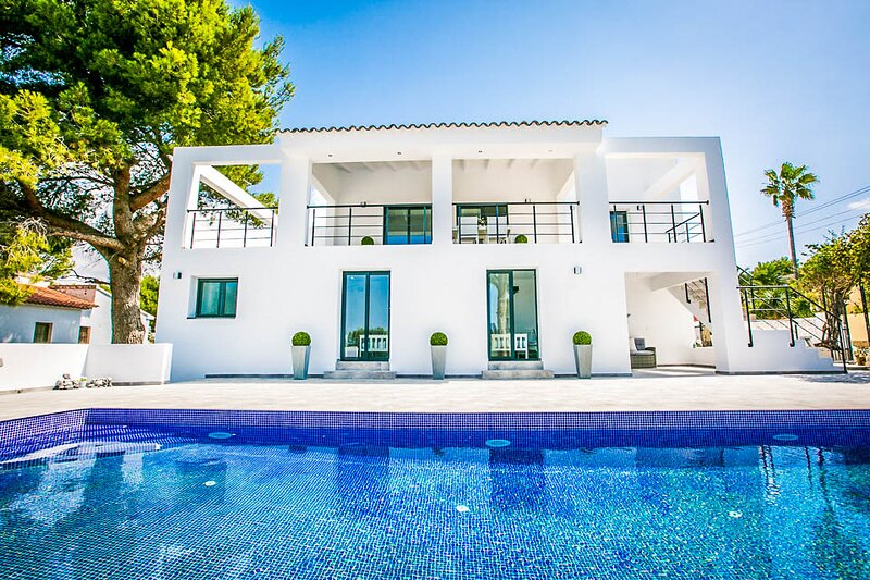 Fanadix Villa Sleeps 10 with Pool and Air Con - 5675863, holiday rental in Benimeit
