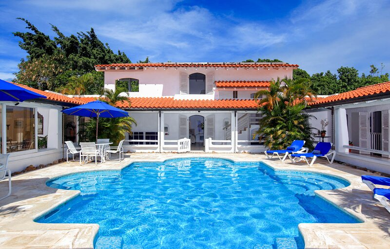 Holders Villa Sleeps 10 with Pool and Air Con - 5720380, vacation rental in Holder's Hill