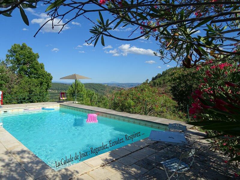 La calade de Joux : Beau gite  ardéchoise avec piscine privée et vue panoramique, casa vacanza a Rocles