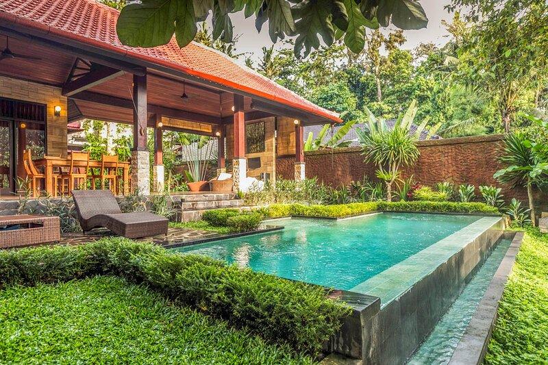 Banjar Kutuh Villa Sleeps 4 with Pool and Air Con - 5802685, holiday rental in Sayan