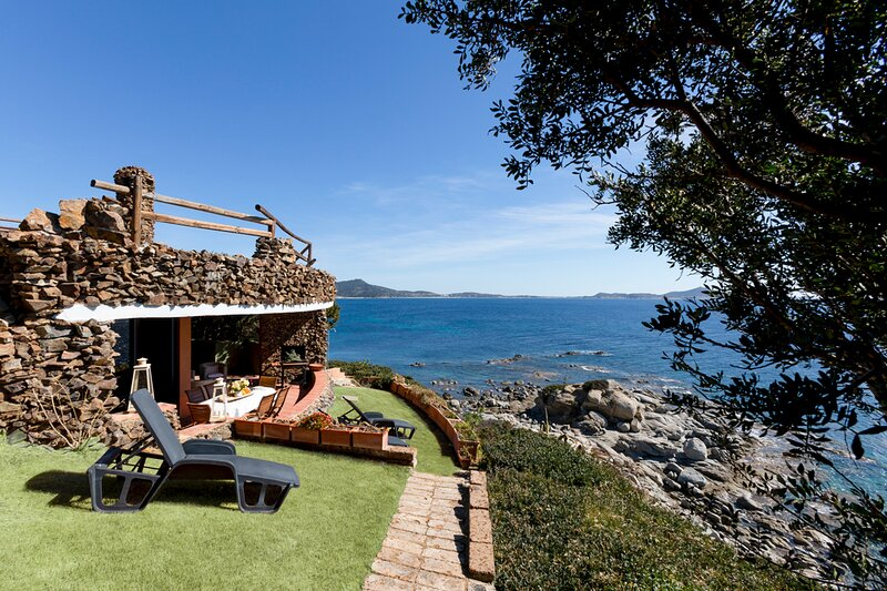 Porto Sa Ruxi Villa Sleeps 7 with Air Con - 5807680 – semesterbostad i Solanas