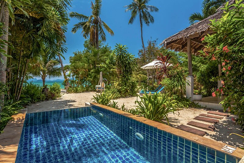 Ban Ba Kan Pa Villa Sleeps 3 with Pool and Air Con - 5810252, casa vacanza a Ko Yao Yai