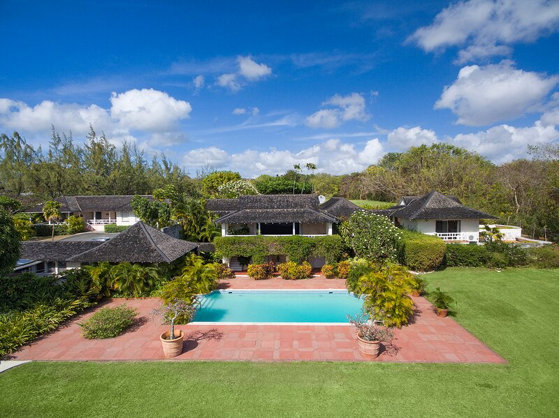 Holders Villa Sleeps 12 with Pool and Air Con - 5825479, vacation rental in Holder's Hill