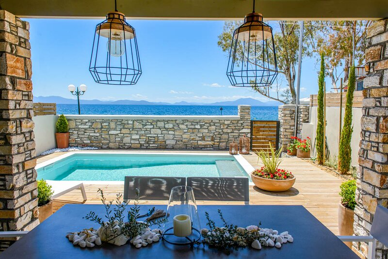 Kato Gatzea Villa Sleeps 6 with Pool and Air Con - 5826711, aluguéis de temporada em Ano Lechonia