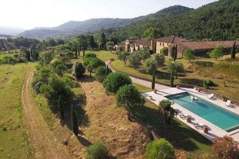Palaja Villa Sleeps 22 - 5829175, location de vacances à Labastide En Val