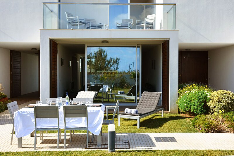 Sagres Villa Sleeps 7 with Pool and Air Con - 5829427, location de vacances à Sagres