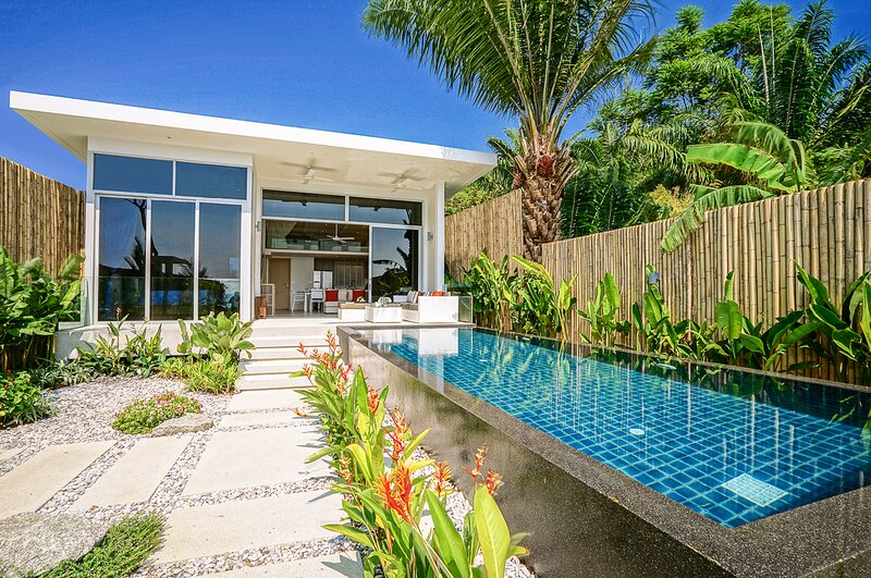 Khao Khad Beach Villa Sleeps 6 with Pool and Air Con - 5831434, holiday rental in Wichit