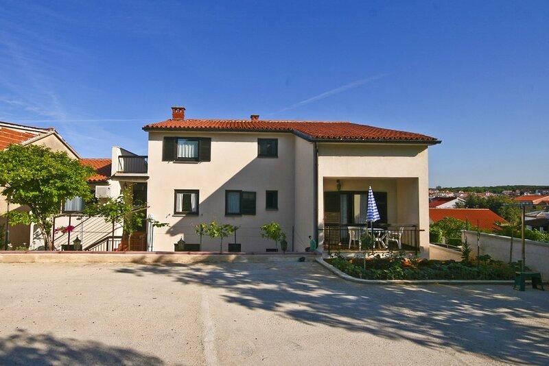 Pjescana uvala Apartment Sleeps 4 with Air Con and WiFi - 5833046, alquiler vacacional en Pjescana Uvala