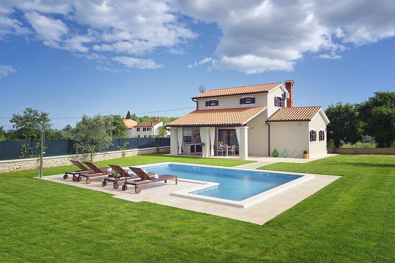 Marcana Holiday Home Sleeps 6 with Pool Air Con and WiFi - 5833470, casa vacanza a Marcana
