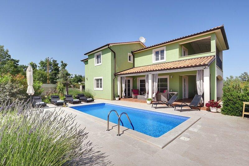 Rakalj Holiday Home Sleeps 8 with Pool Air Con and WiFi - 5833738, holiday rental in Rakalj