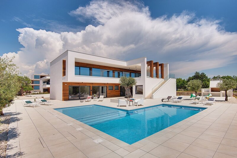 Vodnjan Holiday Home Sleeps 14 with Pool Air Con and WiFi - 5833759, location de vacances à Vodnjan