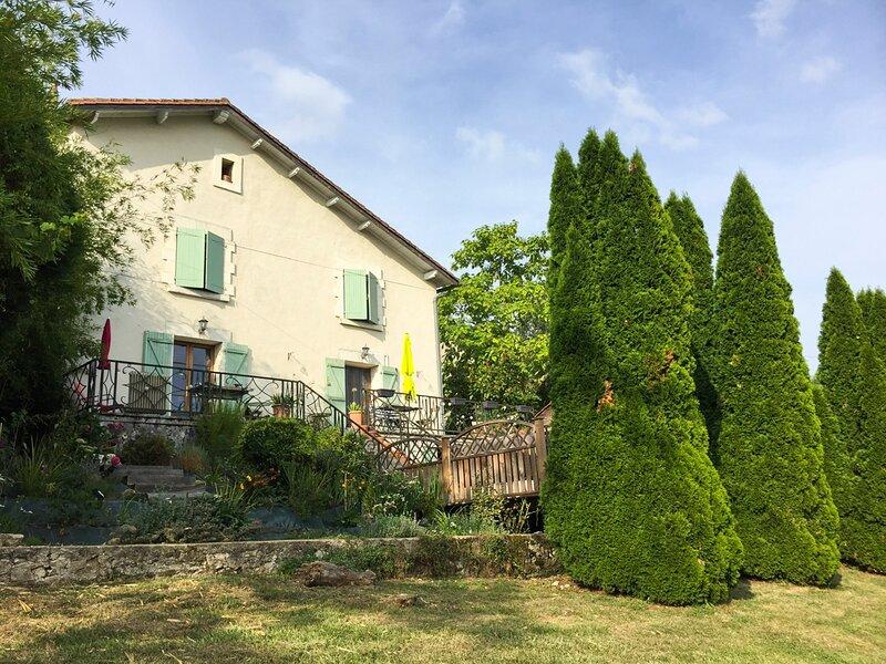 Brantome Villa Sleeps 8 with Pool - 5833914, location de vacances à Bourdeilles