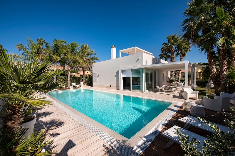 Custonaci Villa Sleeps 5 with Pool and Air Con - 5833916, holiday rental in Cornino