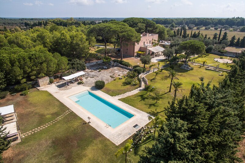 Cannole Villa Sleeps 21 with Air Con - 5834712, casa vacanza a Cannole