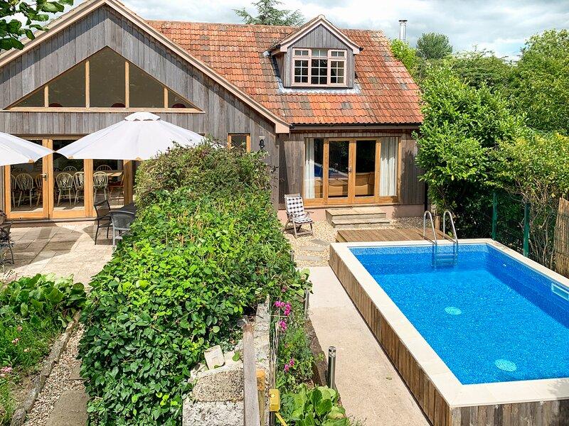 Long Sutton Villa Sleeps 18 - 5835450, location de vacances à Ilchester