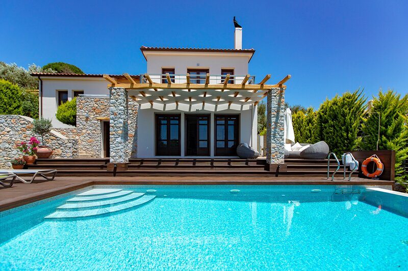 Platanias Villa Sleeps 6 with Pool - 5837195, location de vacances à Troulos