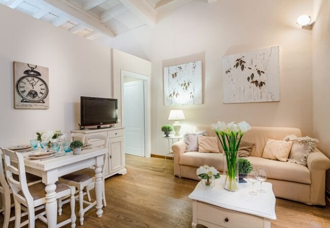 Lucca Apartment Sleeps 4 with Air Con and WiFi - 5840809, holiday rental in San Pietro in Campo