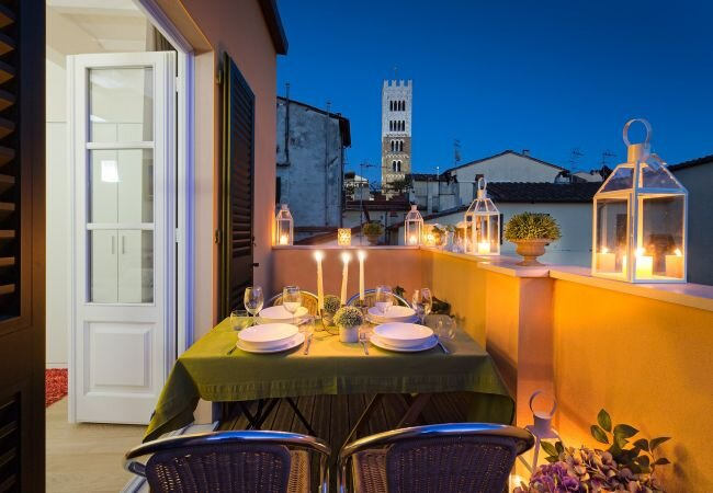 Lucca Apartment Sleeps 4 with Air Con and WiFi - 5840816, vacation rental in Barga