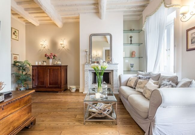 Lucca Apartment Sleeps 4 with Air Con and WiFi - 5840823, holiday rental in Monte San Quirico