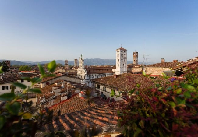 Lucca Apartment Sleeps 5 with Air Con and WiFi - 5840831, holiday rental in San Pietro in Campo