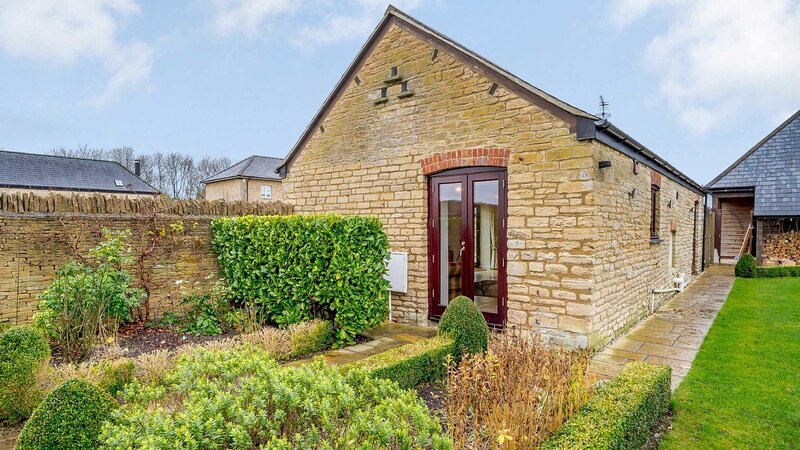 Romantic Retreat in the Cotswolds, location de vacances à Clanfield