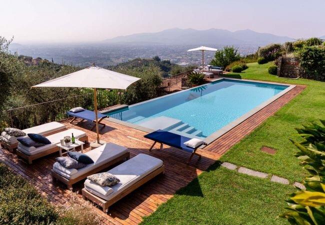 Ciciana Villa Sleeps 12 with Pool Air Con and WiFi - 5840846 – semesterbostad i Valgiano