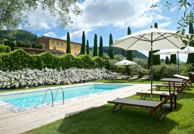 Sant'Andrea in Caprile Villa Sleeps 8 with Pool and WiFi - 5840901, location de vacances à Segromigno in Monte