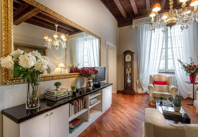 Lucca Apartment Sleeps 4 with Air Con and WiFi - 5840856, holiday rental in San Pietro in Campo