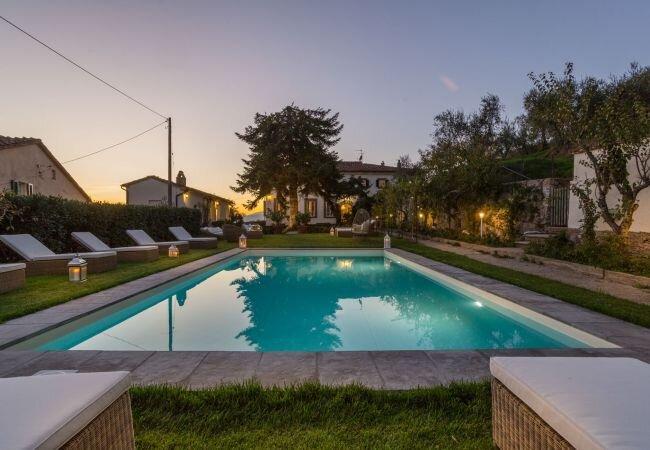 Ai colli Villa Sleeps 24 with Pool Air Con and WiFi - 5840859 – semesterbostad i Valgiano