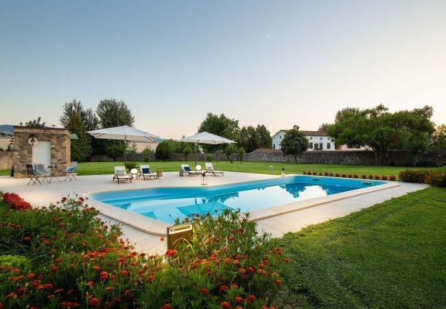 Verciano Villa Sleeps 2 with Pool Air Con and WiFi - 5840868, alquiler vacacional en San Pietro in Campo