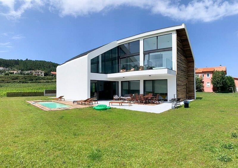 Duyo Villa Sleeps 7 with Pool - 5861961 – semesterbostad i Fisterra